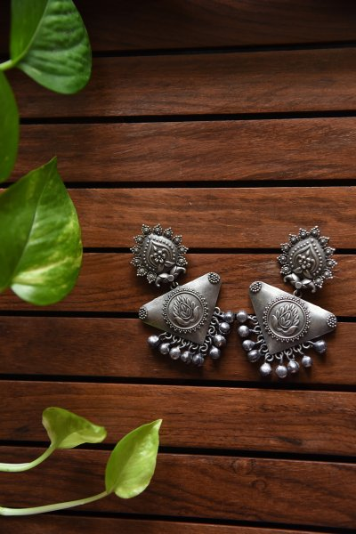 TRIANGLE PEACOCK ANTIQUE EARRING