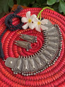 ANTIQUE FISH GHUNGROO CHOKER NECKLACE