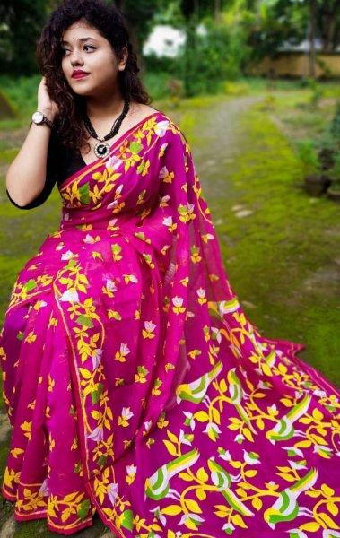 Magenta dhakai jamdani saree