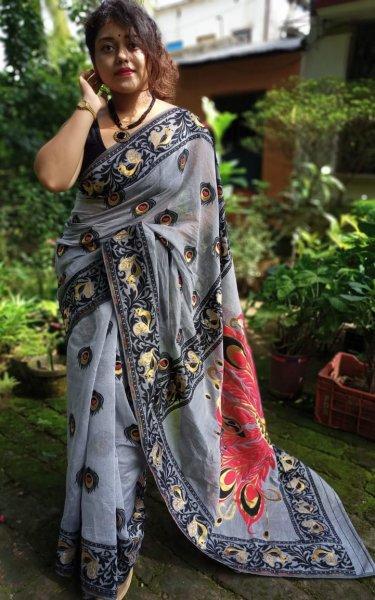 Gray and black Mayurpankh dhakai jamdani saree