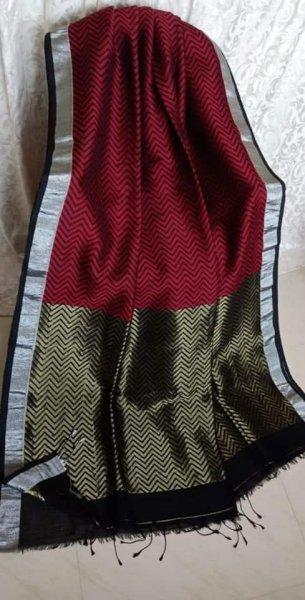Red & Black With Grey Border Jamdani Linen Saree