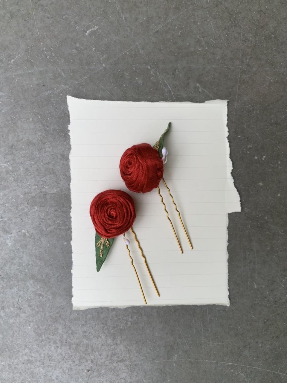 Dude Floral Juda Pins