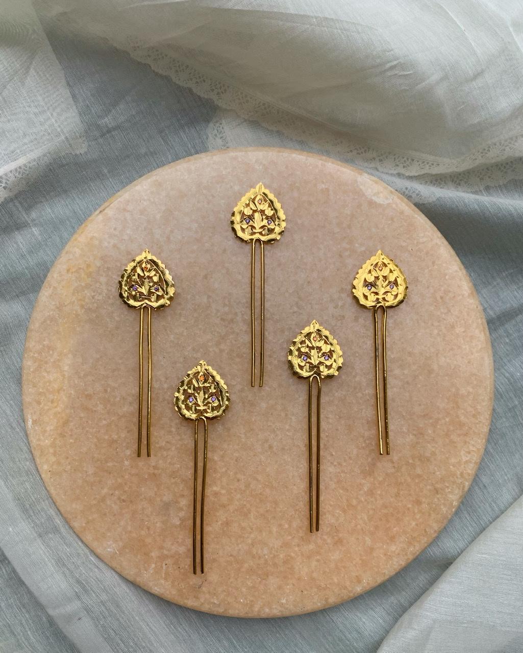 Paan Handmade Silver Juda Pin