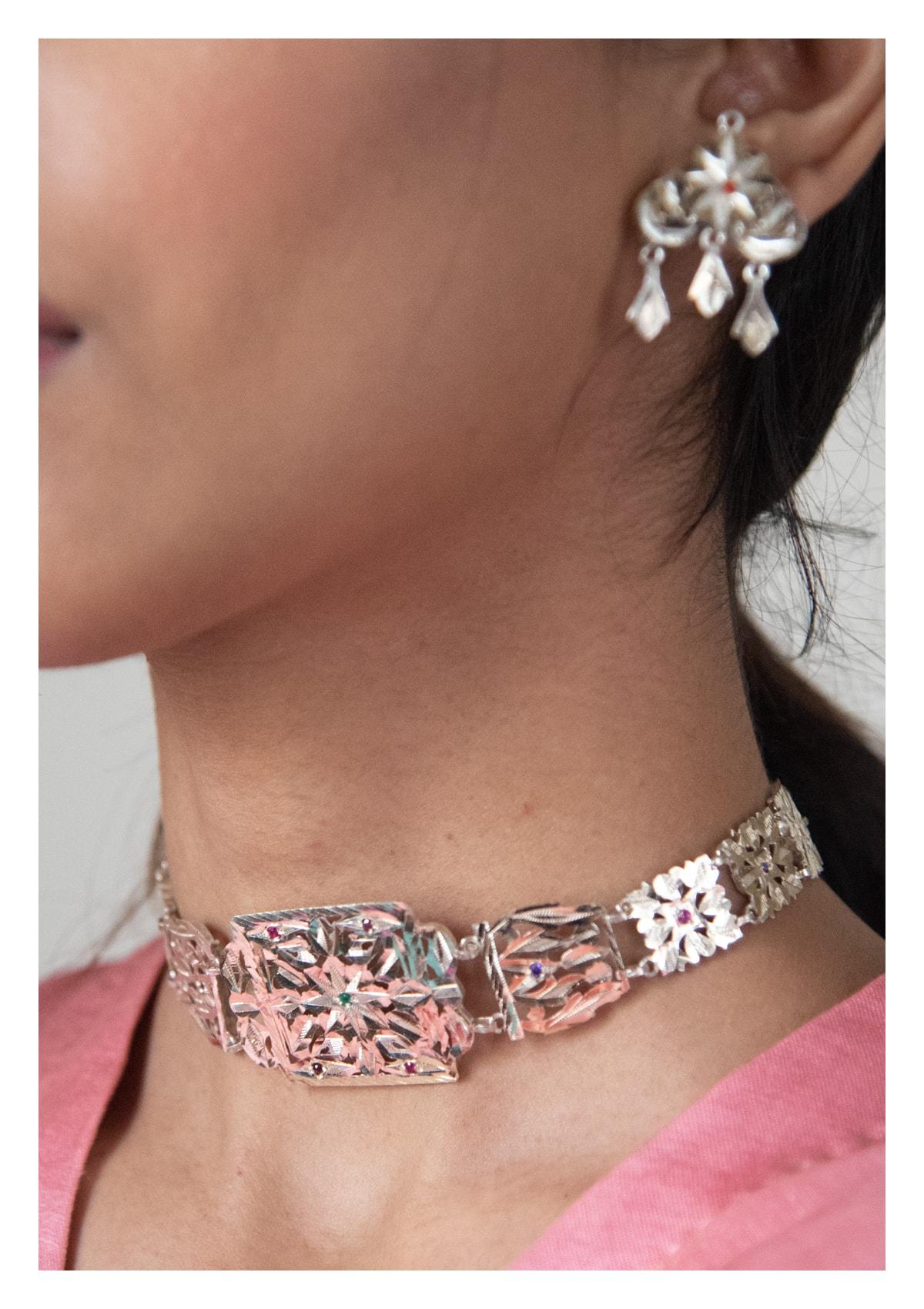 Daasi Handmade Choker and Earrings Set
