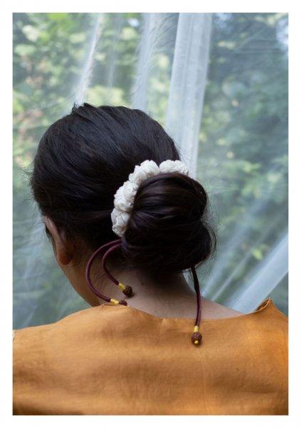 Aster White Textile Gajra