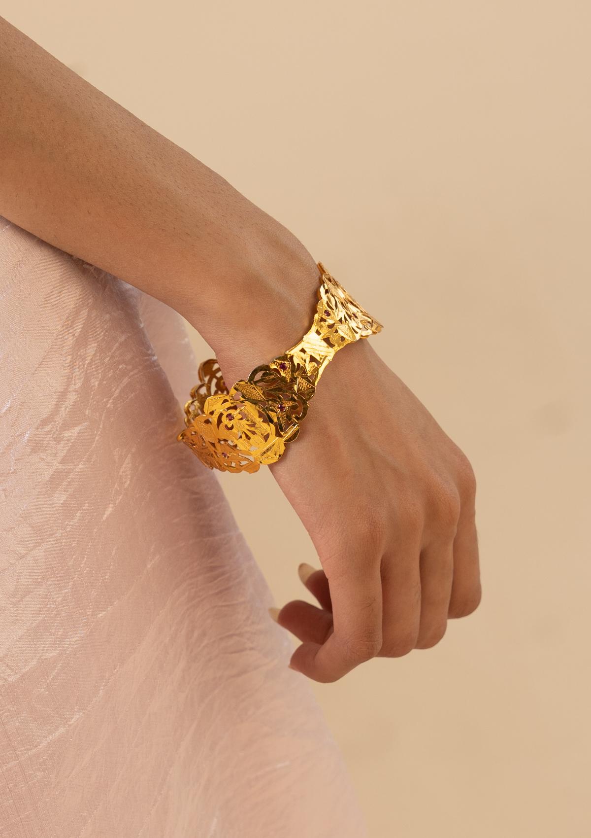 Sarala Gold Tone Silver Bangle