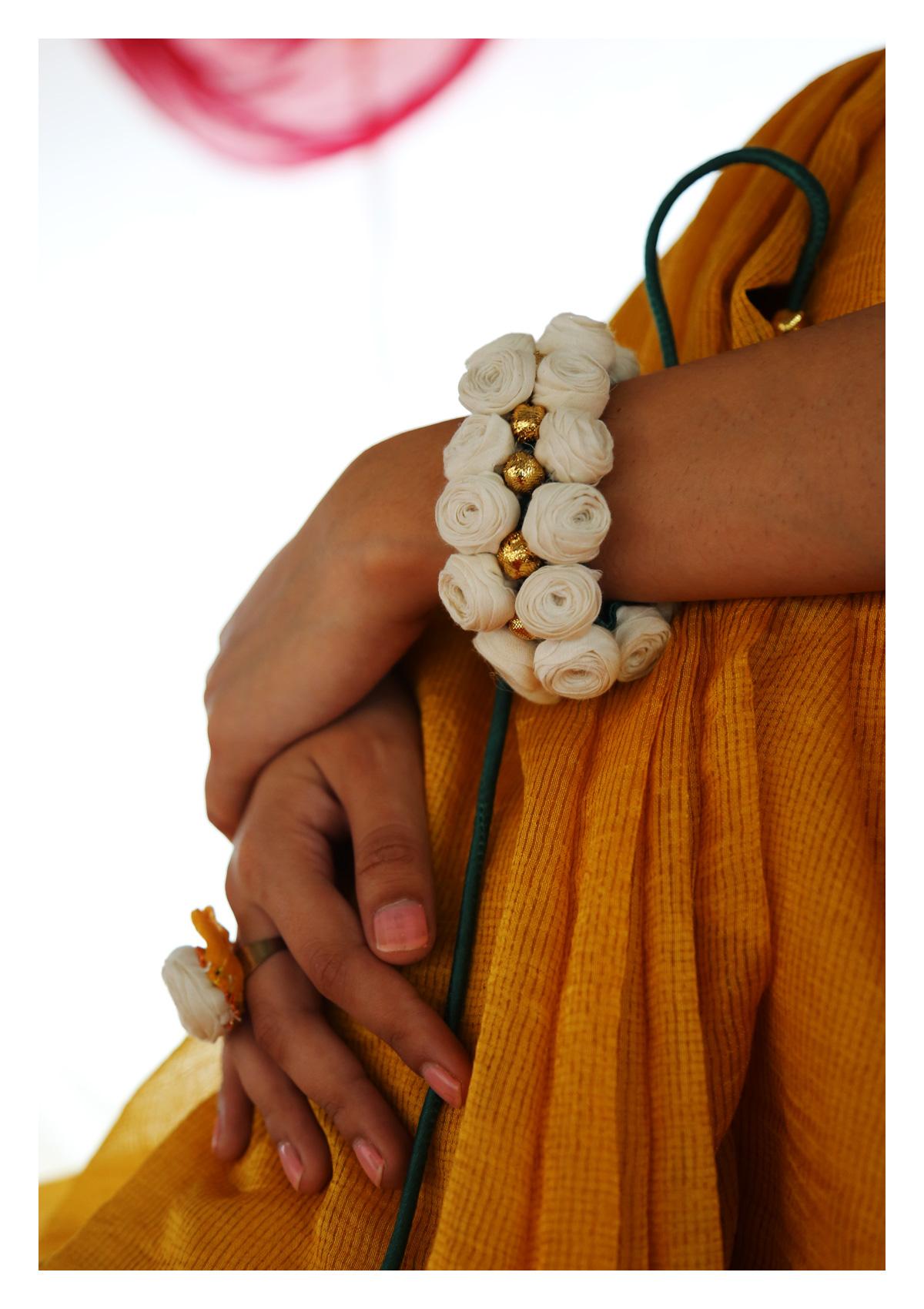 Hu White Rose Textile Accessory