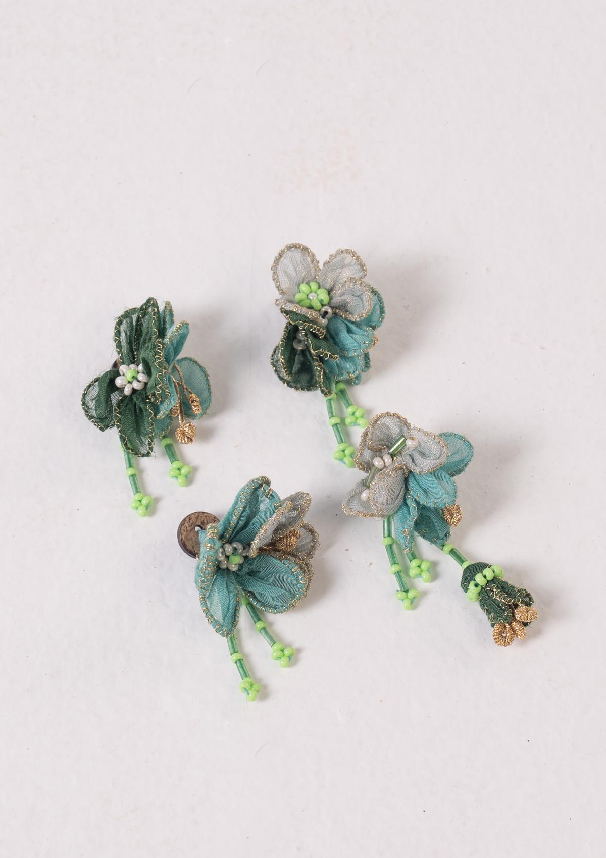 Parva Textile Floral Buttons