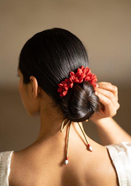 Sarod Red Flower Gajra
