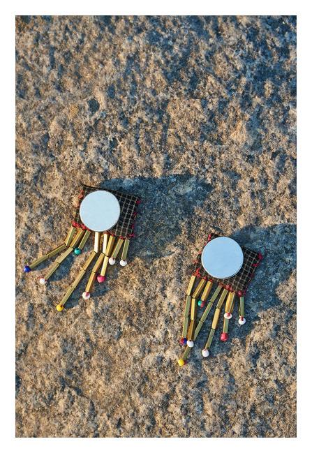 Hawa Udi Magnet Earrings