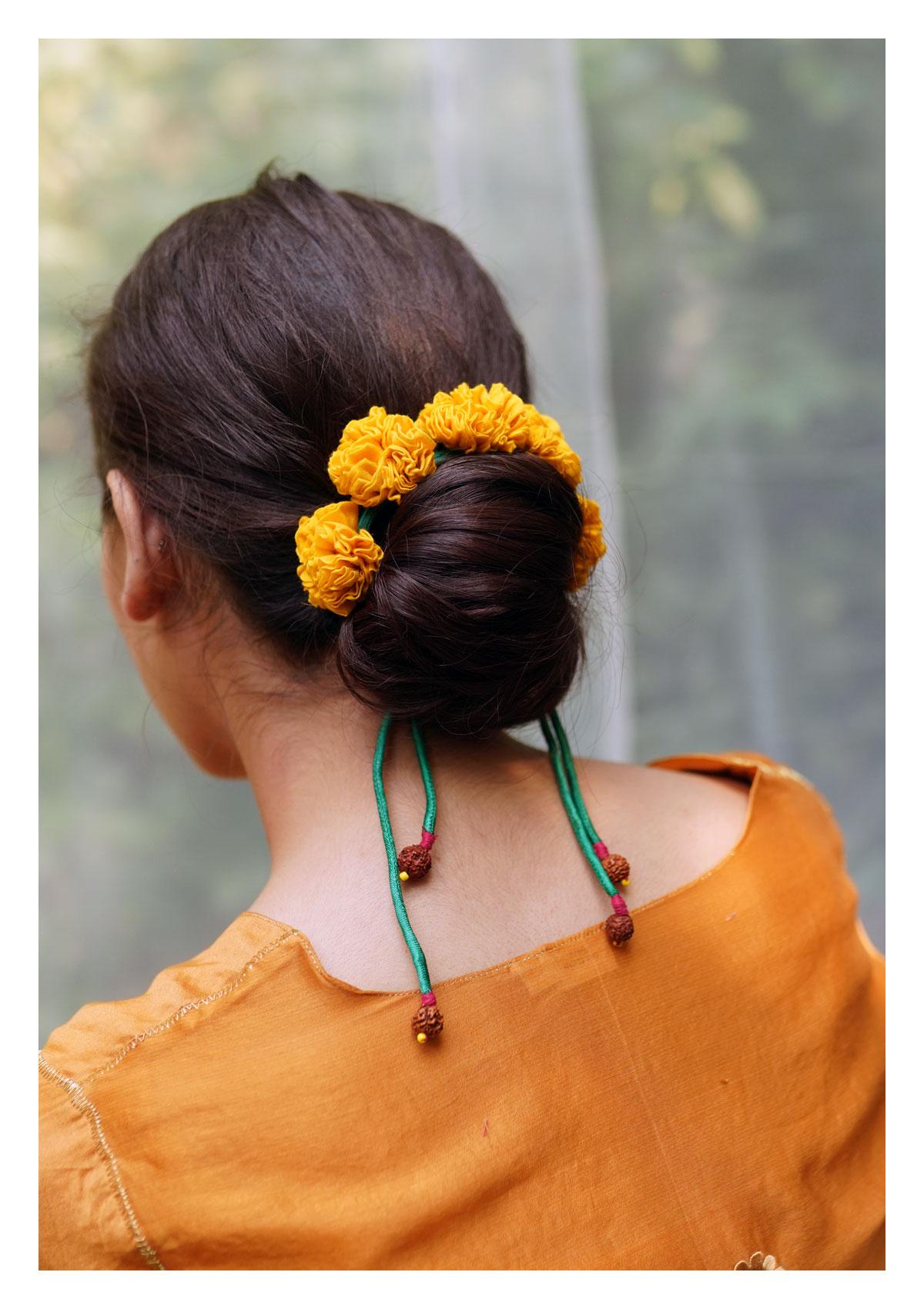 Magnolia Yellow Textile Gajra