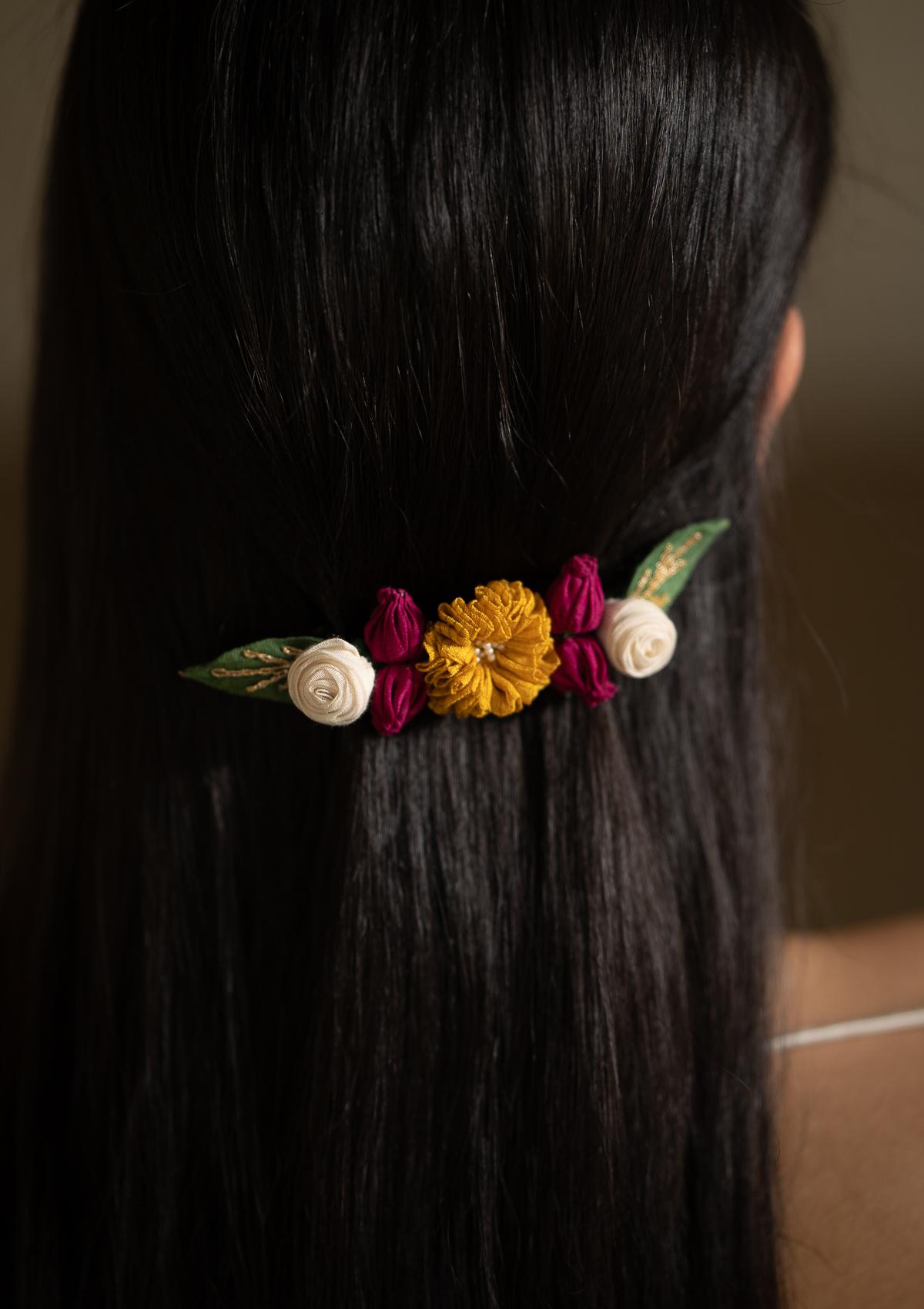 Nonet Floral Back Clip