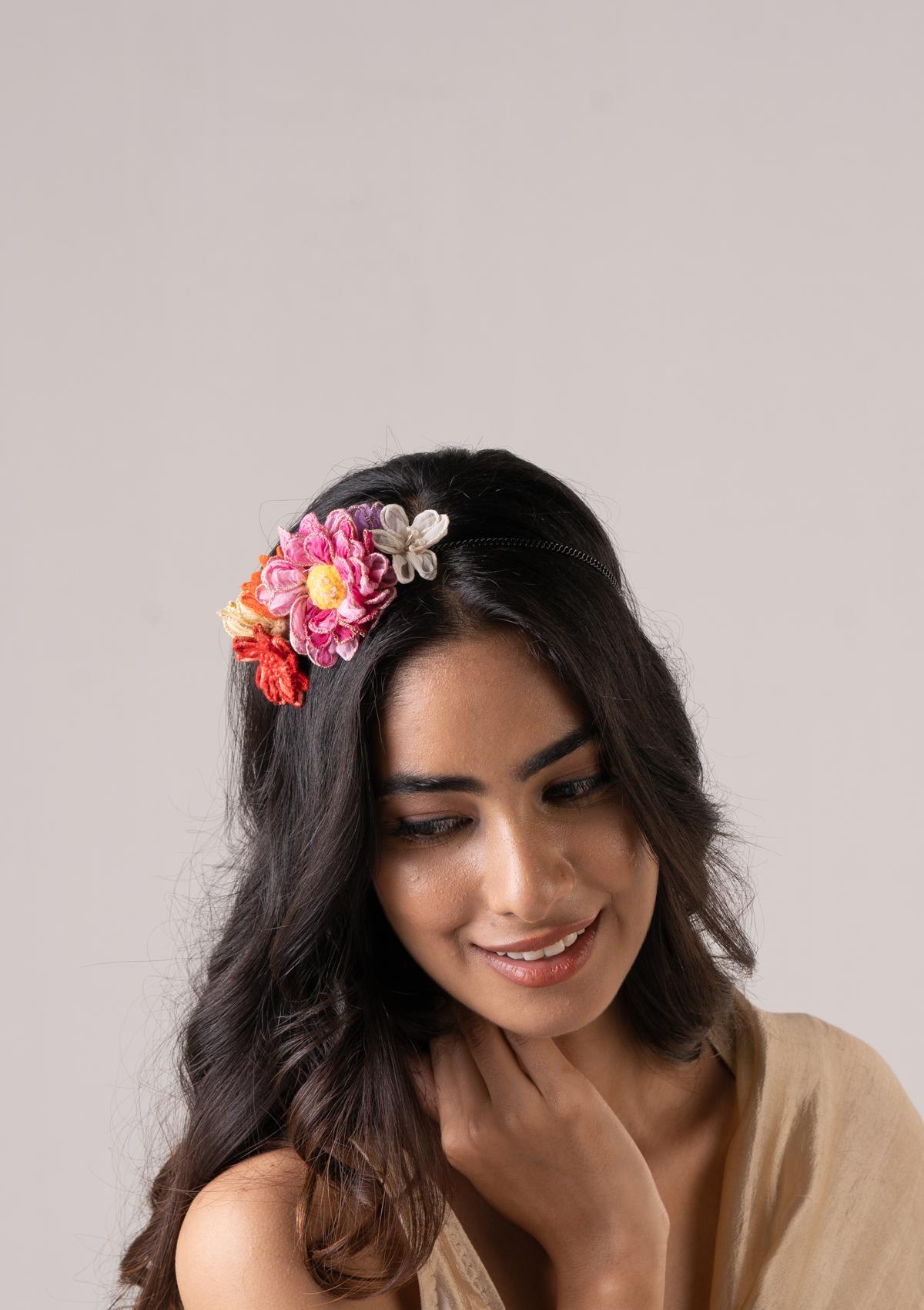 Shohi Floral Hair Accessory