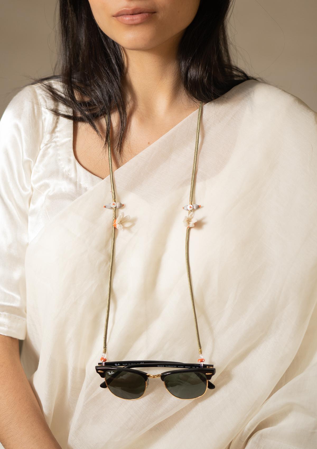 Maracas Floral Eyewear Chain