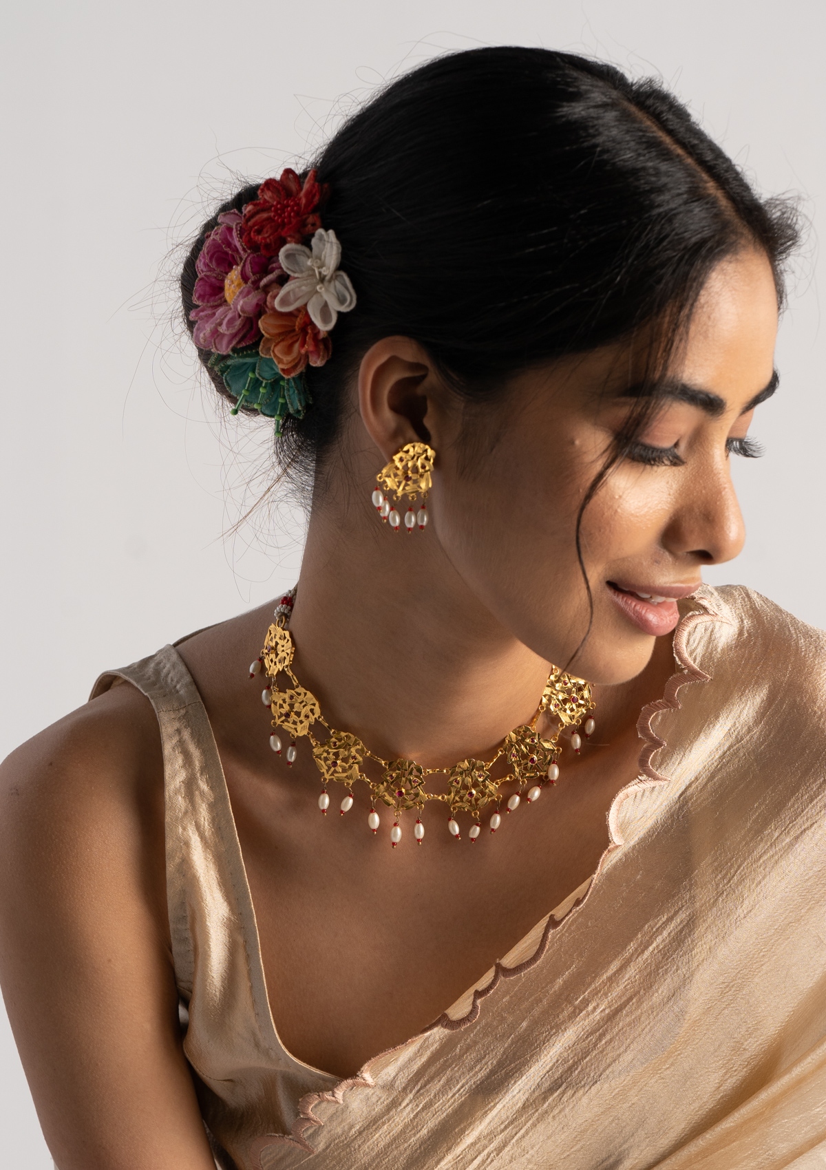 Gauri Gold Tone Silver Necklace & Earrings Set