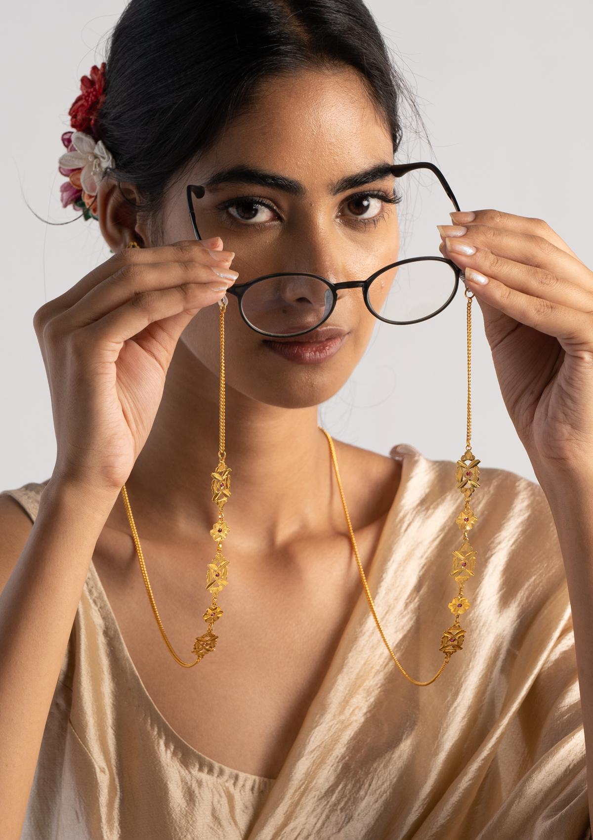 Jumari Gold Tone Silver Eyewear Chain
