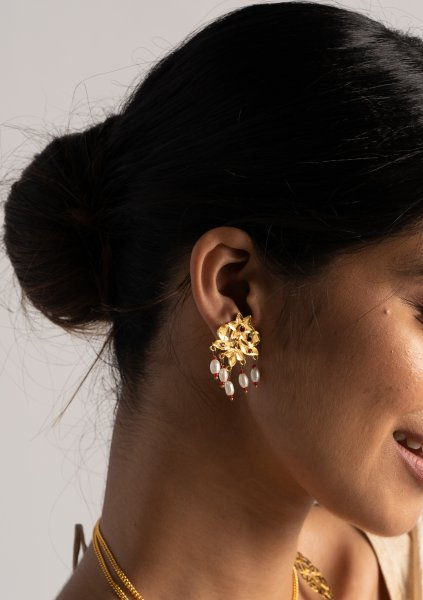 Nalori Gold Tone Silver Earrings