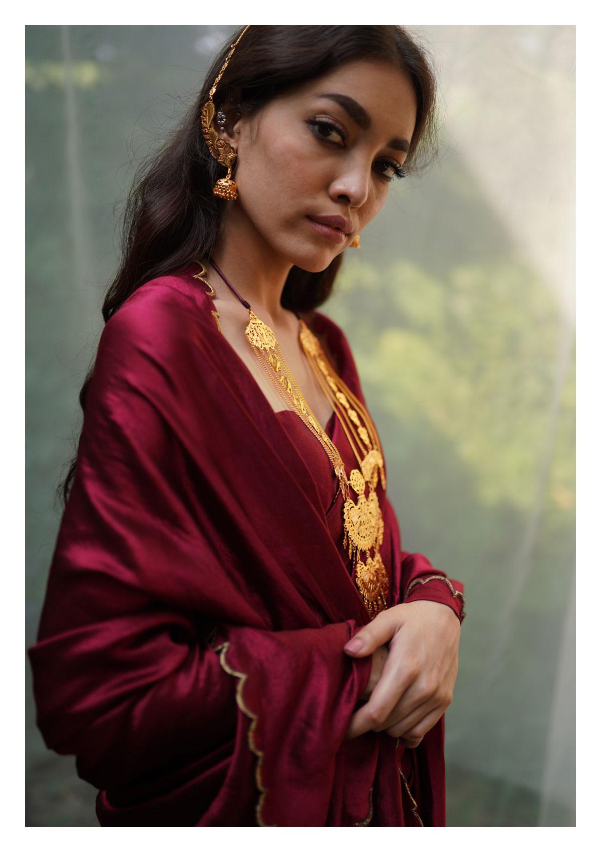 Nargis Handmade Goldtone Silver Necklace