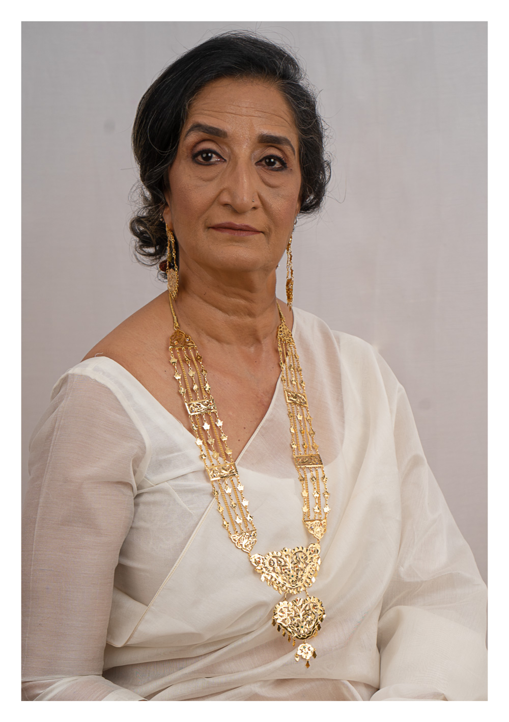 Anandi Gold Tone Silver Necklace & Earrings Set