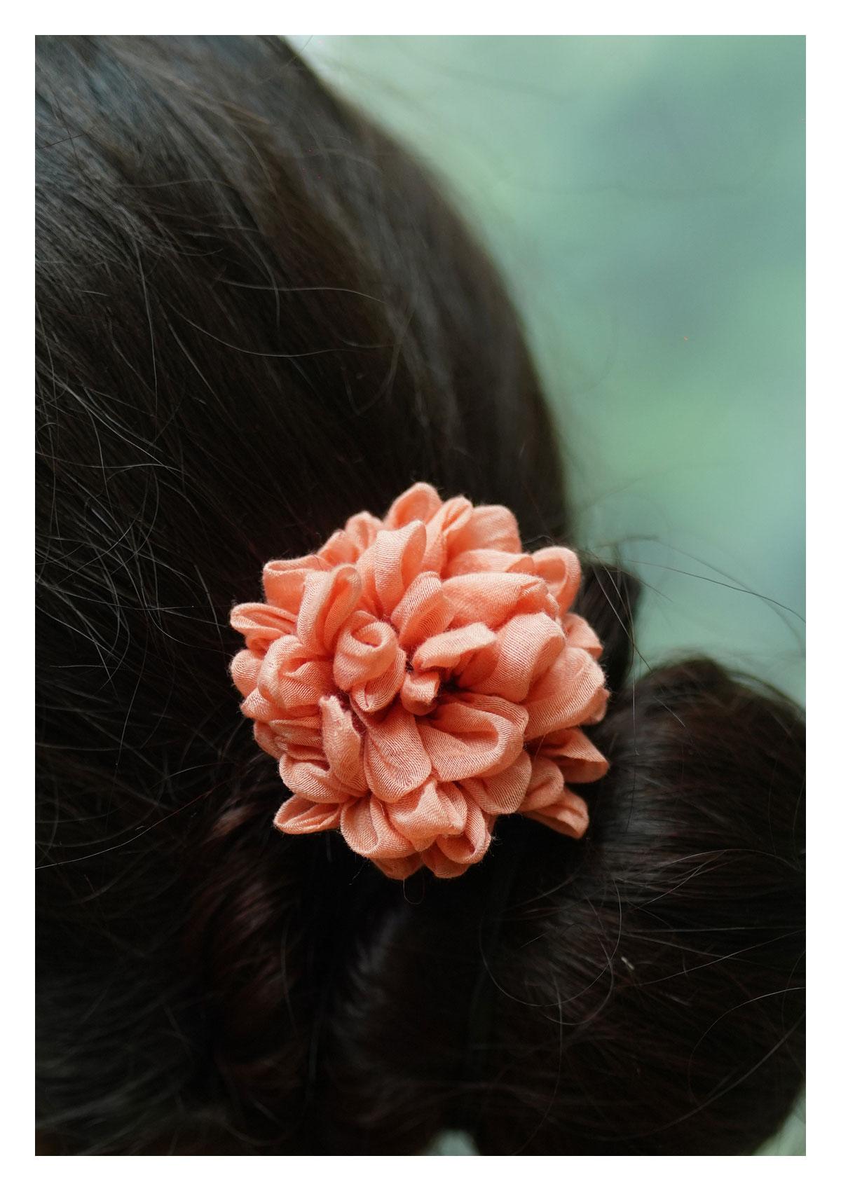 Petunia Peach Flower Accessory