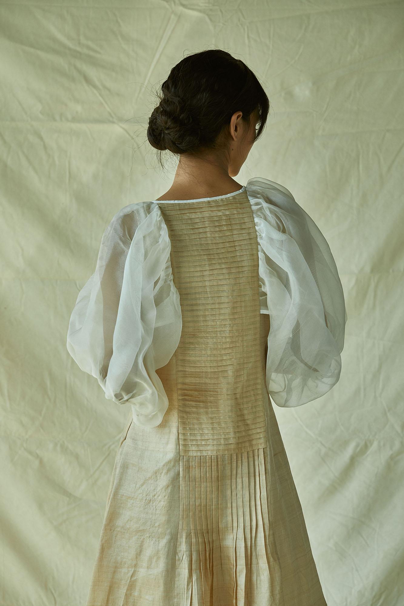 BALLOONED SLEEVED TASSAR MAXI DRESS