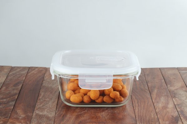 Borosilicate Glass Square Container with Air Vent Lid, 300 ML