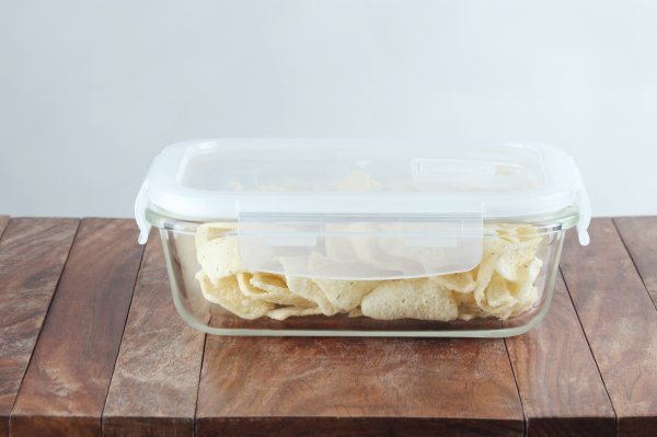 Borosilicate Glass Rectangular Container with Air Vent Lid, 400 ML