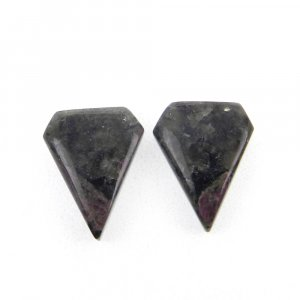 1 Pair Eudialyte 14x11mm Shield Shape 8.90 Cts