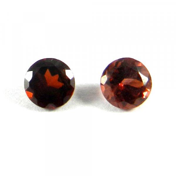 1 Pair Natural Red Garnet 5mm Round Cut 1.2 Cts