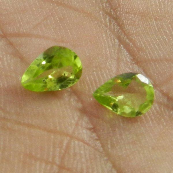 1 Pair Peridot 7x5mm Pear Cut 1.3 Cts