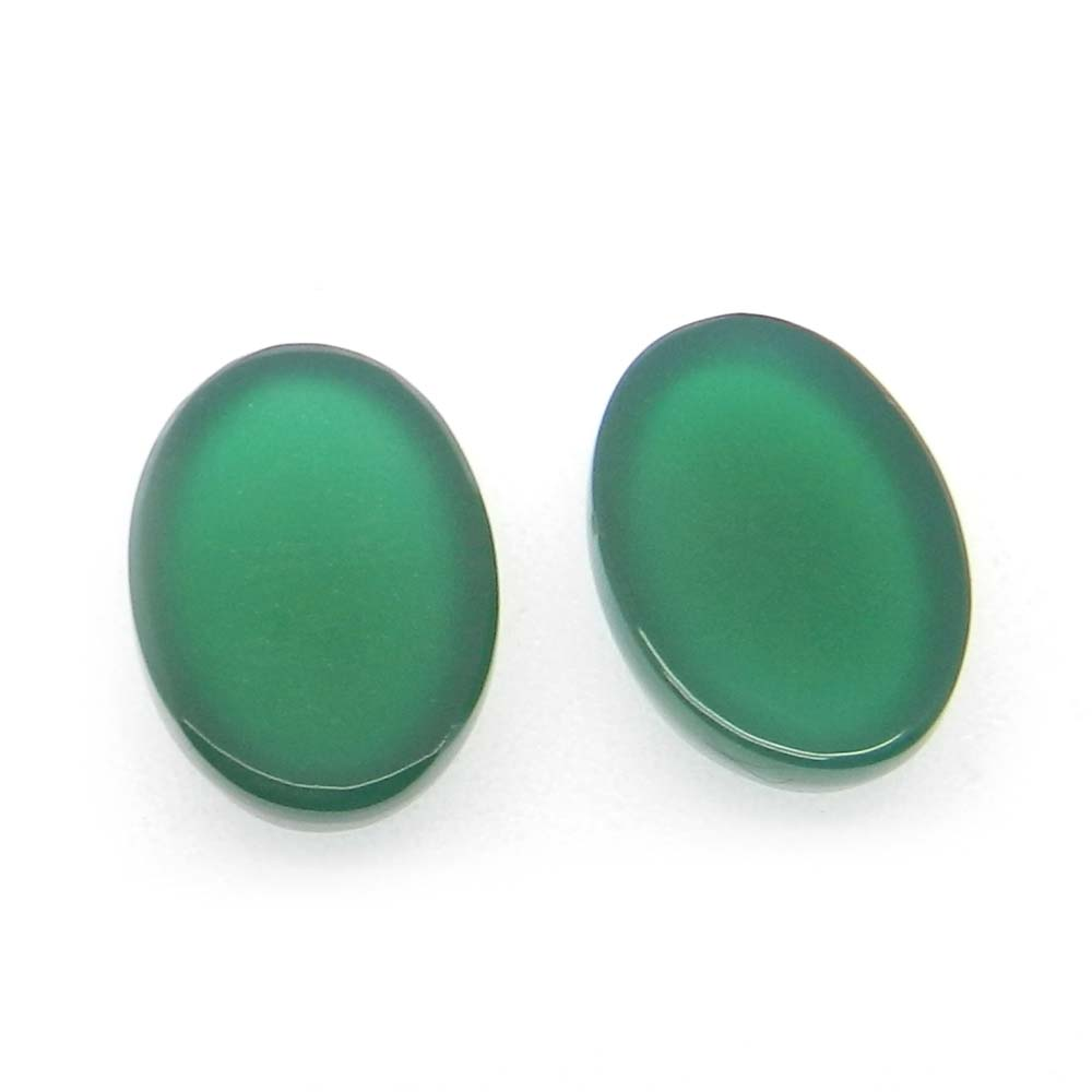 Green Onyx 14x10mm Oval Cabochon 6.2 Cts
