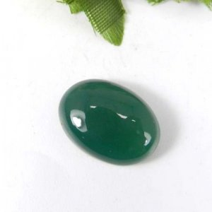Green Onyx 18x13mm Oval Cabochon 12.5 Cts