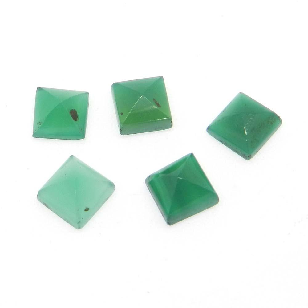 Green Onyx 7x7mm Square Pyramid Cut 1.89 Cts