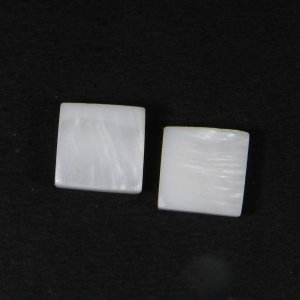 Mother Of Pearl 10x10mm Square Cabochon 3.80 Cts