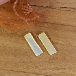 Mother Of Pearl 13x4mm Rectangle Cabochon 0.80 Cts