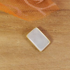 Mother Of Pearl 9x6mm Rectangle Cabochon 1.30 Cts
