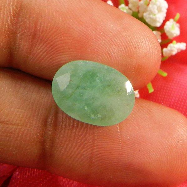 Natural Emerald 14x10mm Oval Cut 4.15 Cts (4.56 Ratti )
