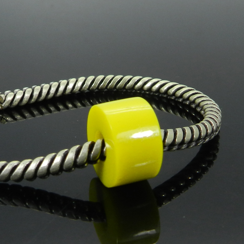 Synthetic Yellow Chalcedony 14x8x5mm Round Flat Beads