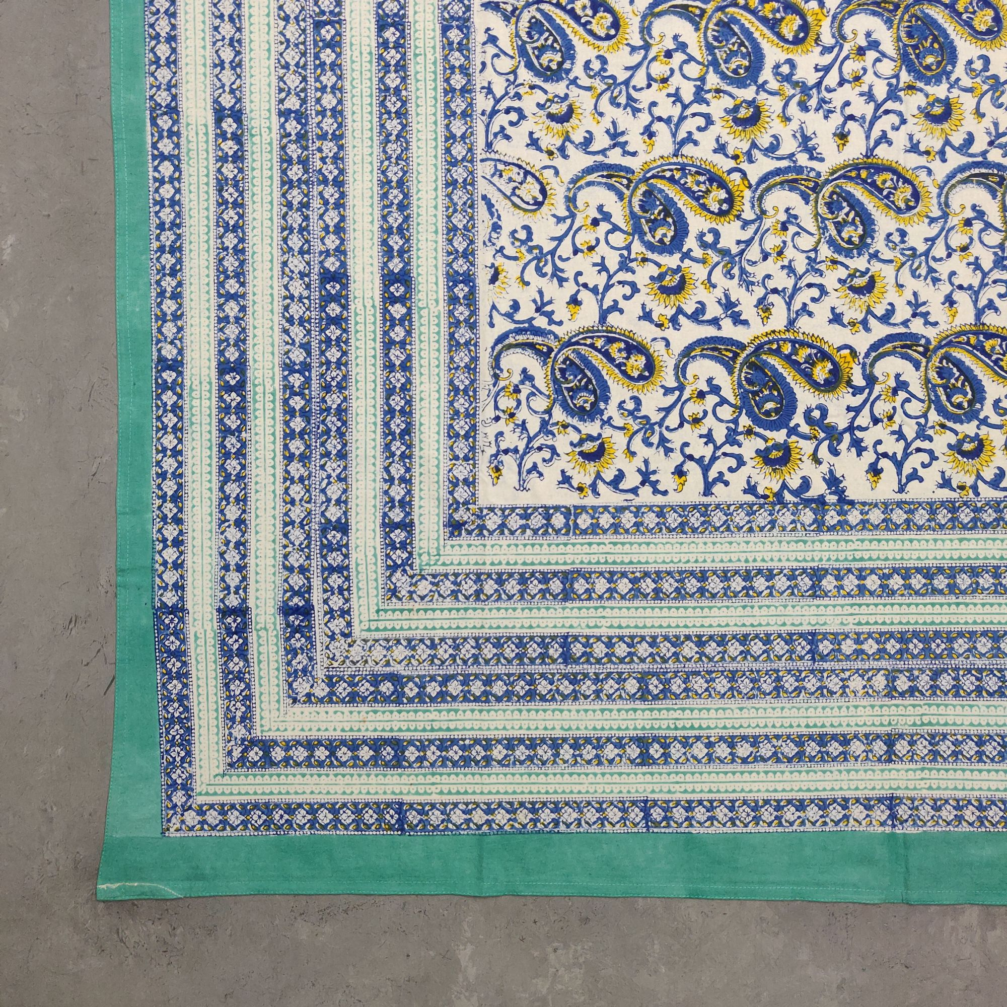 Floral Handblock Printed King Bedsheet K47