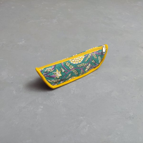 Turqoise Based Stationary Pouch