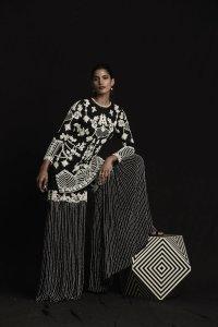 Black And White Pearl Diamonte Garara Set
