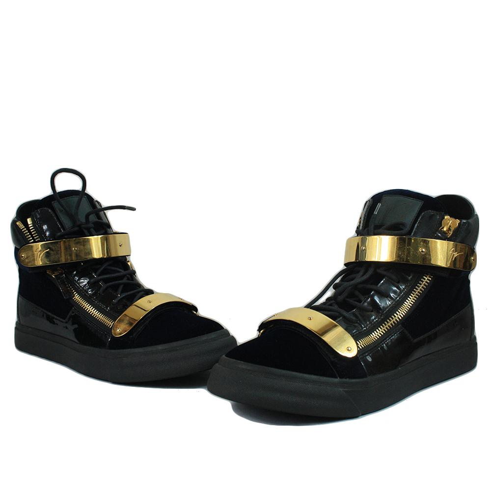 Black Velvet Double Gold-Bracelet Sneaker