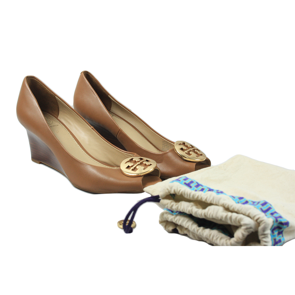 Brown Leather Pumps Size: 6.5
