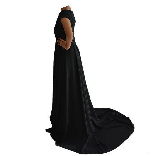 Black gown (Size L)