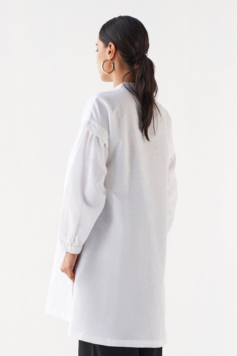 MARRAKESH SOLID WHITE LINEN FABRIC FULL SLEEVES FRONT OPENING TUNIC WITH COLLAR AND POCKETS