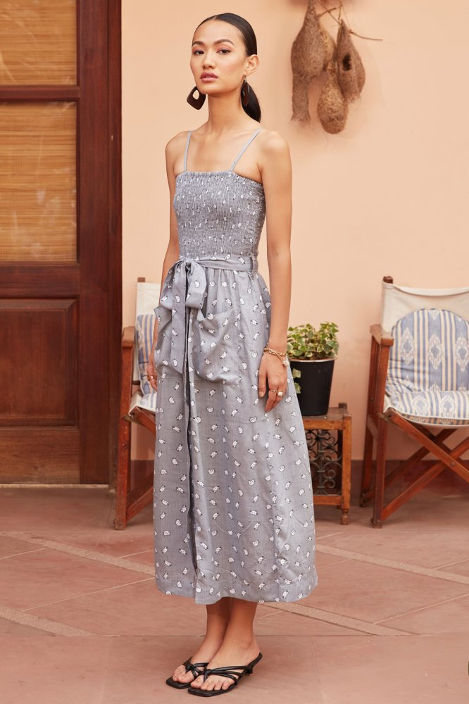 MEO GREY COLOUR ALL OVER PRINT SLEEVLESS RAYON MIDI LENGTH DRESS WITH POCKETS AND BELT