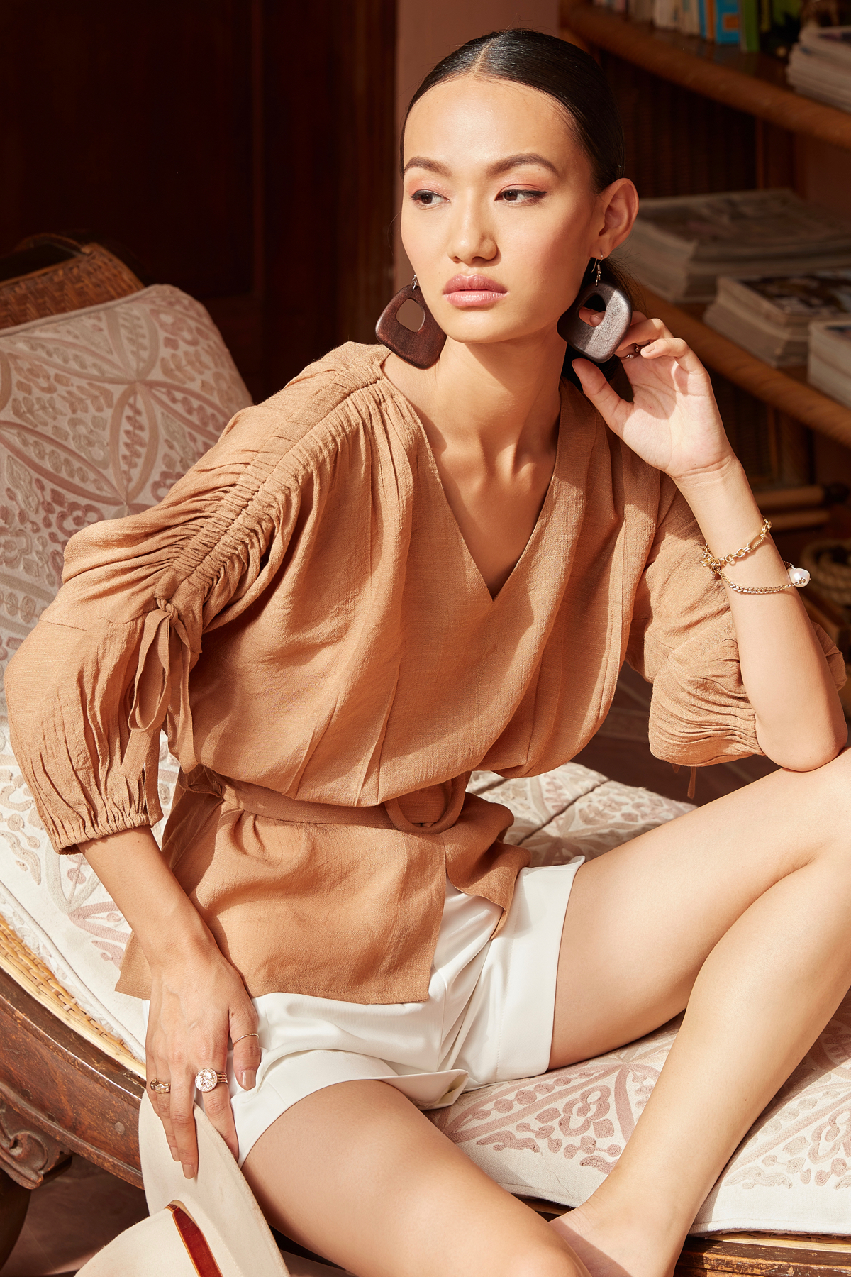 FARAFRA BROWN SOFT RAYON CREPE V-NECK TOP WITH 3/4TH LENGTH SLEEVES AND BELT