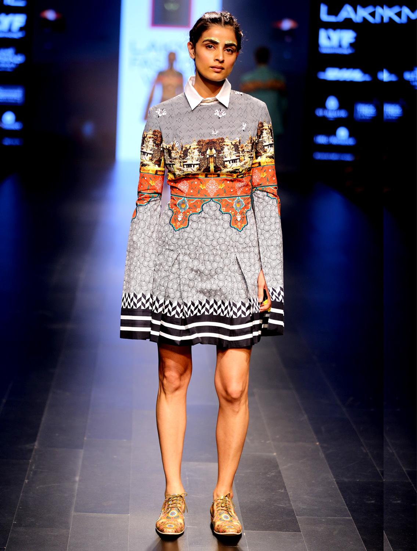 Mahotsav Slit Sleeve Short Dress