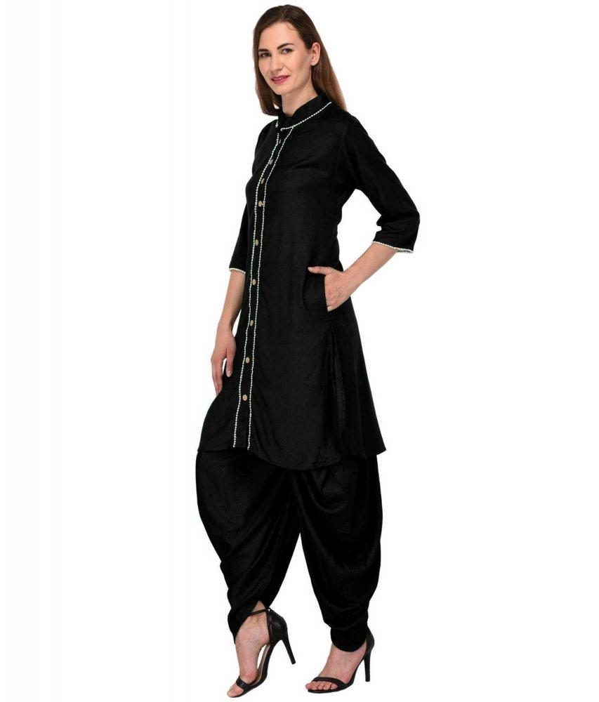 Straight Embellished Kurta Kurti in Black