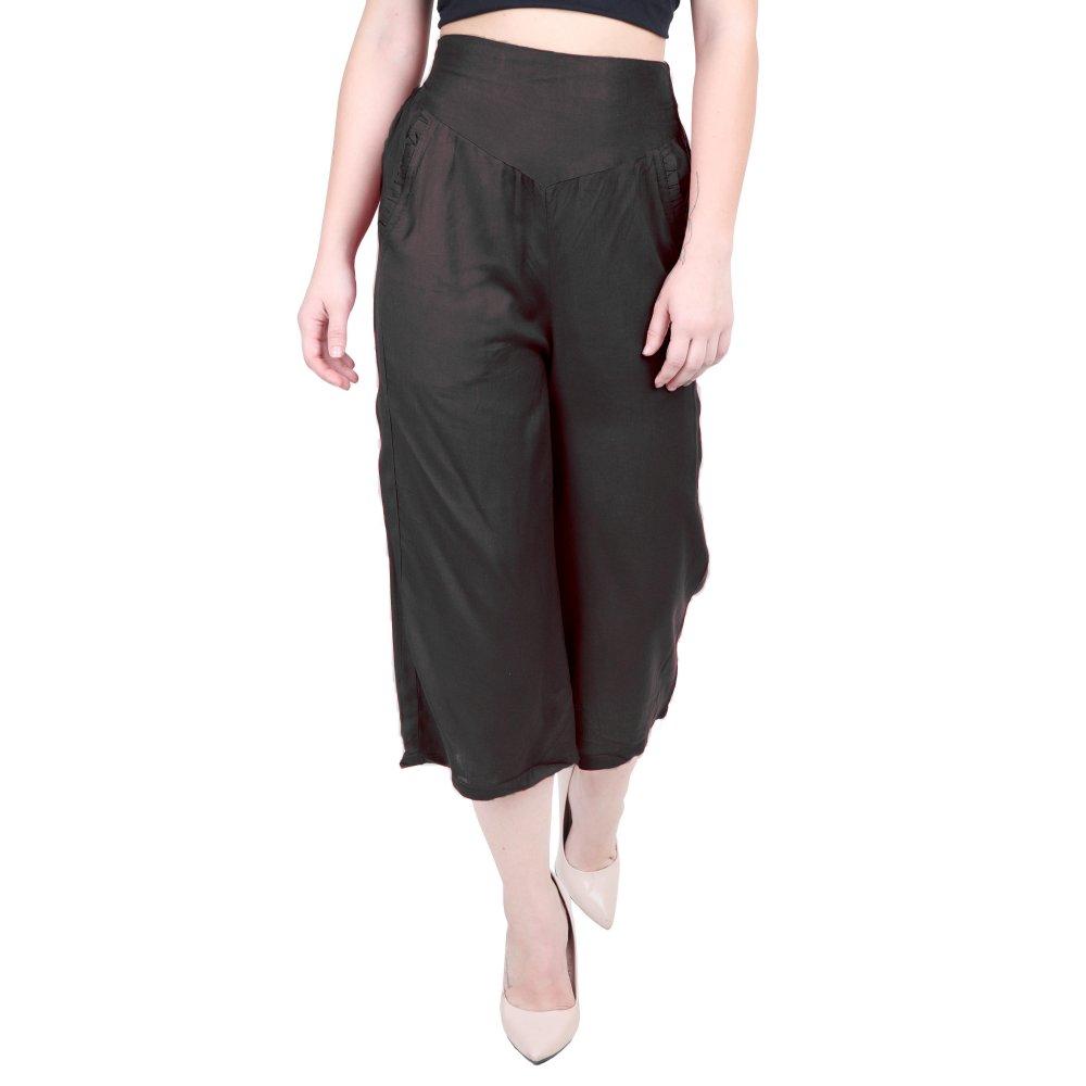 Comfort Fit Capri Pant in Black